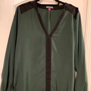 Vince Camuto Green & Black Blouse w/gold Accents-M